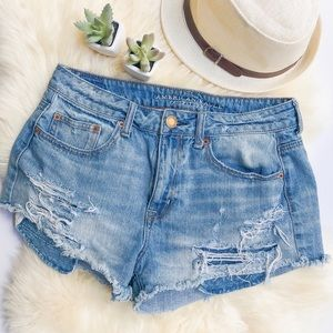 💓AE💓 HIGH RISE FESTIVAL DISTRESSED SHORTS